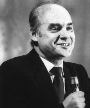 Советский поет Николай Добронравов